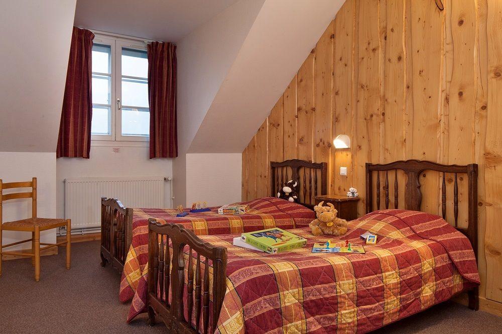 Hotel Le Rouge Gazon Saint Maurice Sur Moselle  France